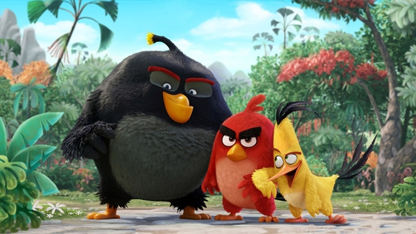 cuoi lan vi su ngo ngan cua bo ba red chuck va bomb trong trailer moi cua the angry birds movie 2