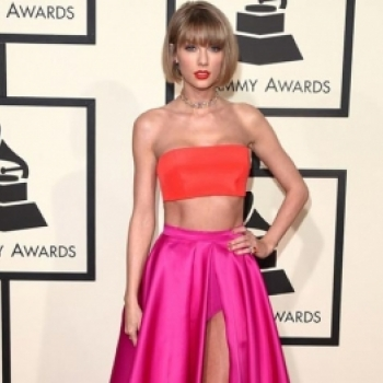 Taylor Swift goi cam tren tham do Grammy 2016