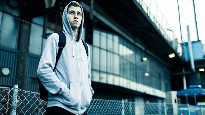 than dong am nhac 18 tuoi alan walker gay sot voi ban hit edm faded 1
