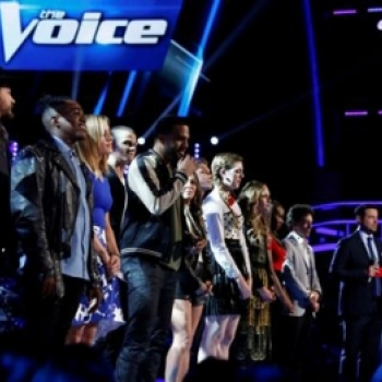 Phan khich voi man trinh dien cua Alicia Keys va One Republic tai ban ket The Voice My