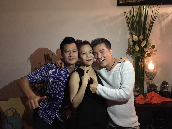 quang dung don sinh nhat trong vong tay ban be dong nghiep 9