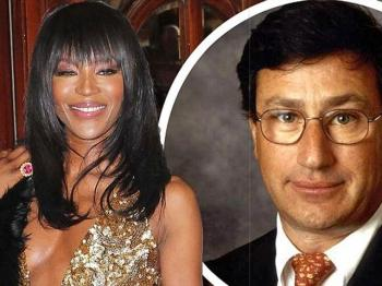 """Ba hoang The Face"" Naomi Campbell hen ho ong trum giau co"