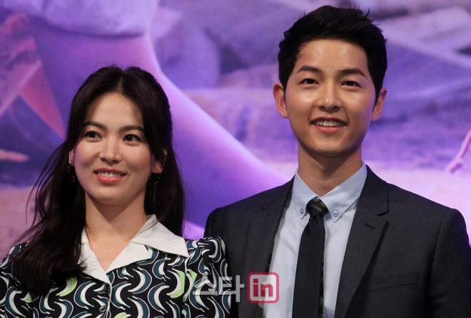 su that ve tin don bo me song joong ki len seoul gap song hye kyo de ban ve dam cuoi the ky 2