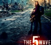 "Chloe Moretz chay tron tham hoa diet vong cua nguoi ngoai hanh tinh trong ""The 5th Wave"""